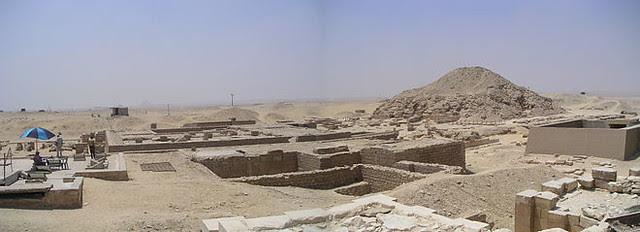 660px-Panorama_pyramide_Ounas