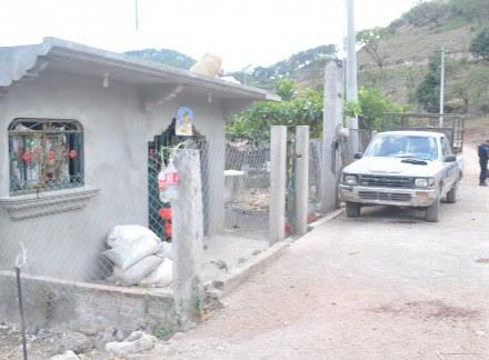 Aspecto de la vivienda donde fue abatido un poblador en Ayahualulco. Foto:  Especial.
