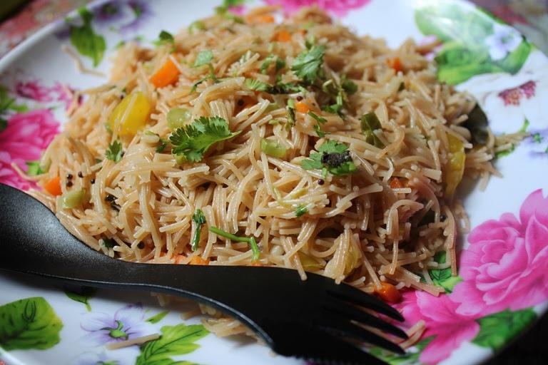 Vermicelli Upma Recipe / Semiya Upma Recipe / Seviya Upma ...
