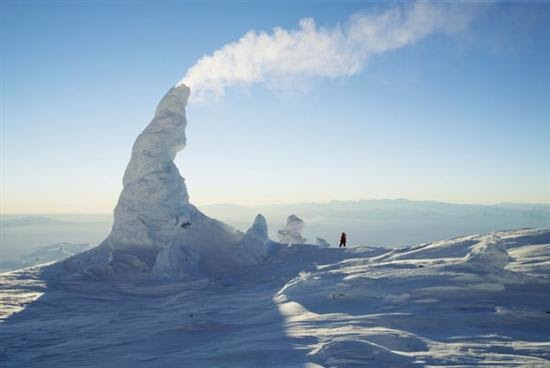Torres de gelo do Monte Erebus Antarctica Ice 1 12 Natural Wonders Pictures visto na www.VyperLook.com