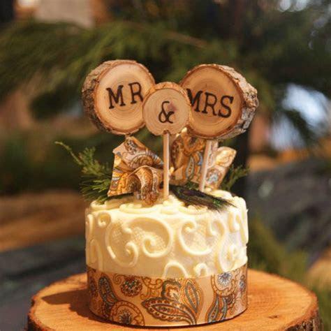 Topo de bolo de casamento de madeira para casamento
