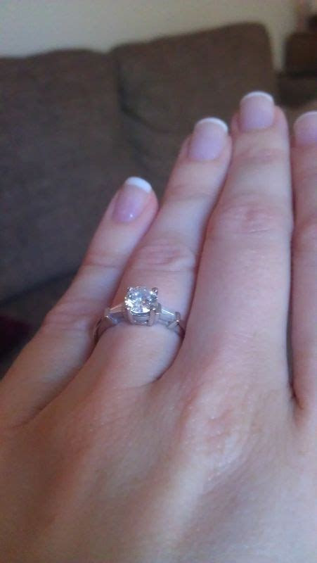 Can?t find a wedding band to match my e ring. (round