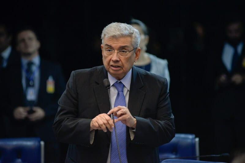 Plenário do Senado durante sessão deliberativa ordinária.  Em pronunciamento, senador Garibaldi Alves Filho (PMDB-RN).  Foto: Jefferson Rudy/Agência Senado