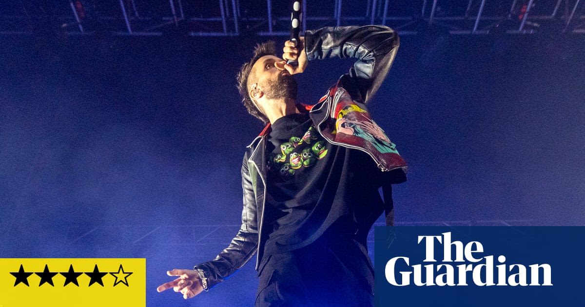 Kasabian review – Serge Pizzorno ably steps up as frontman for new era