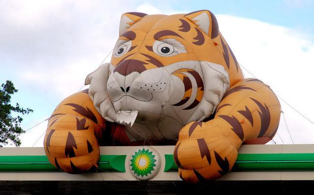 Esso Tiger Belfast Albert Bridge Geograph Ireland