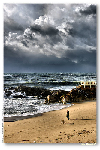 A storm is coming... by VRfoto