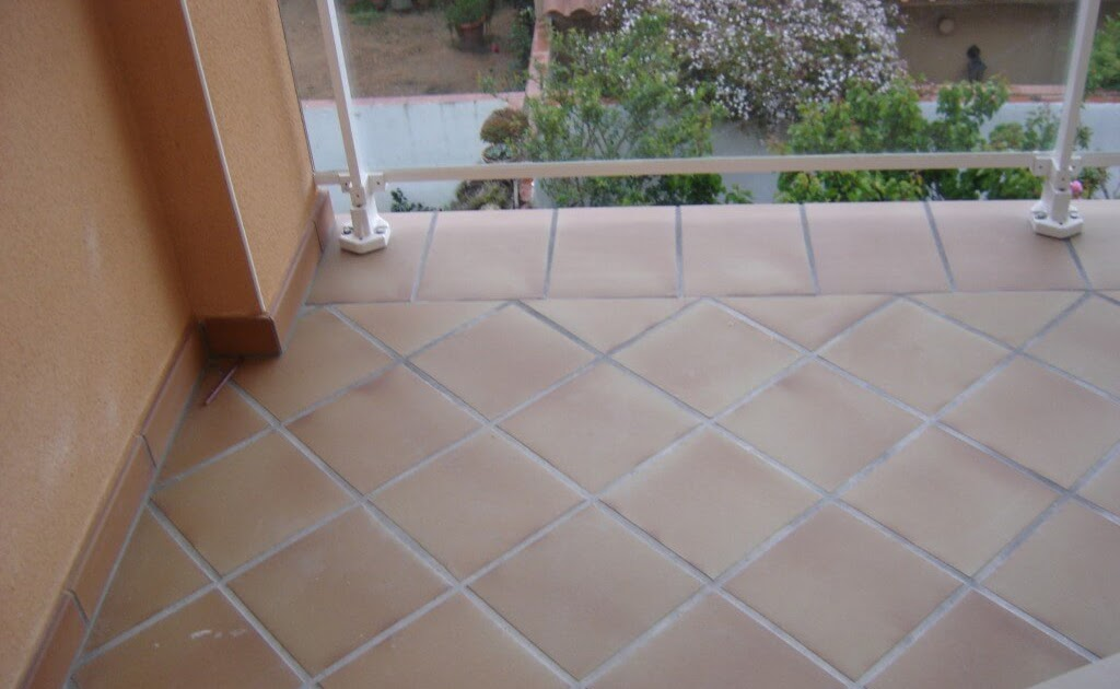 C mo decorar la casa suelo terraza for Suelos terrazas exteriores baratos