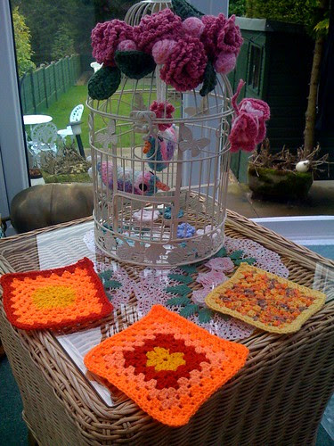 Aussia Maria has sent me Squares for the 'Sunniest Sunshine Blanket Ever!'.  They have arrived this morning from Australia.Thank you!