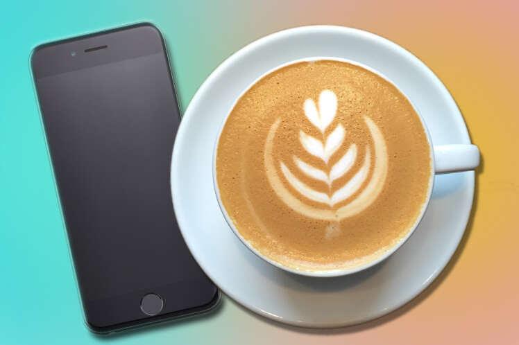 Pervertido admite ter ejaculado no copo de café de sua colega de trabalho