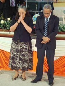 Ev. Marcelo e sua esposa, irmã Geslaine, receberam a oração de toda a igreja durante o XII Congresso de Intercessão Missionária Heróis da Fé, realizado em dezembro de 2011, em Porto Alegre/RS