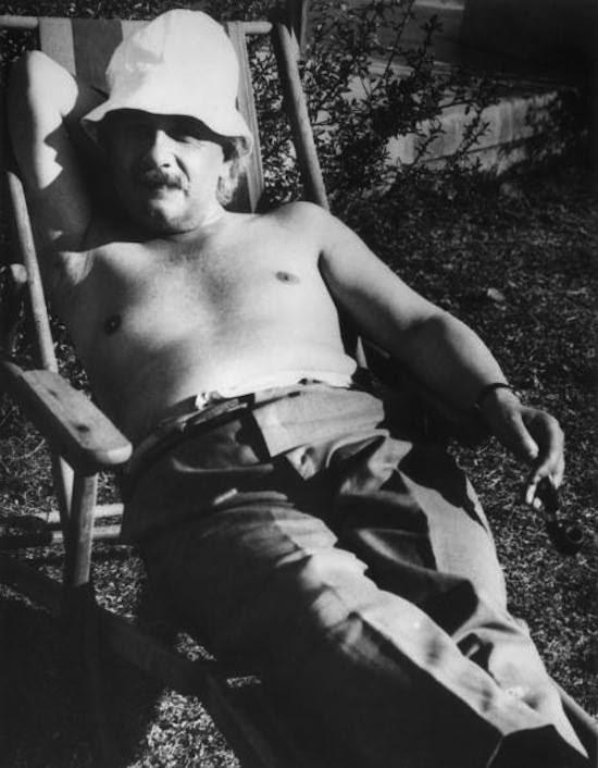 http://images.uncyc.org/pt/4/4c/Einstein_vagab.jpg