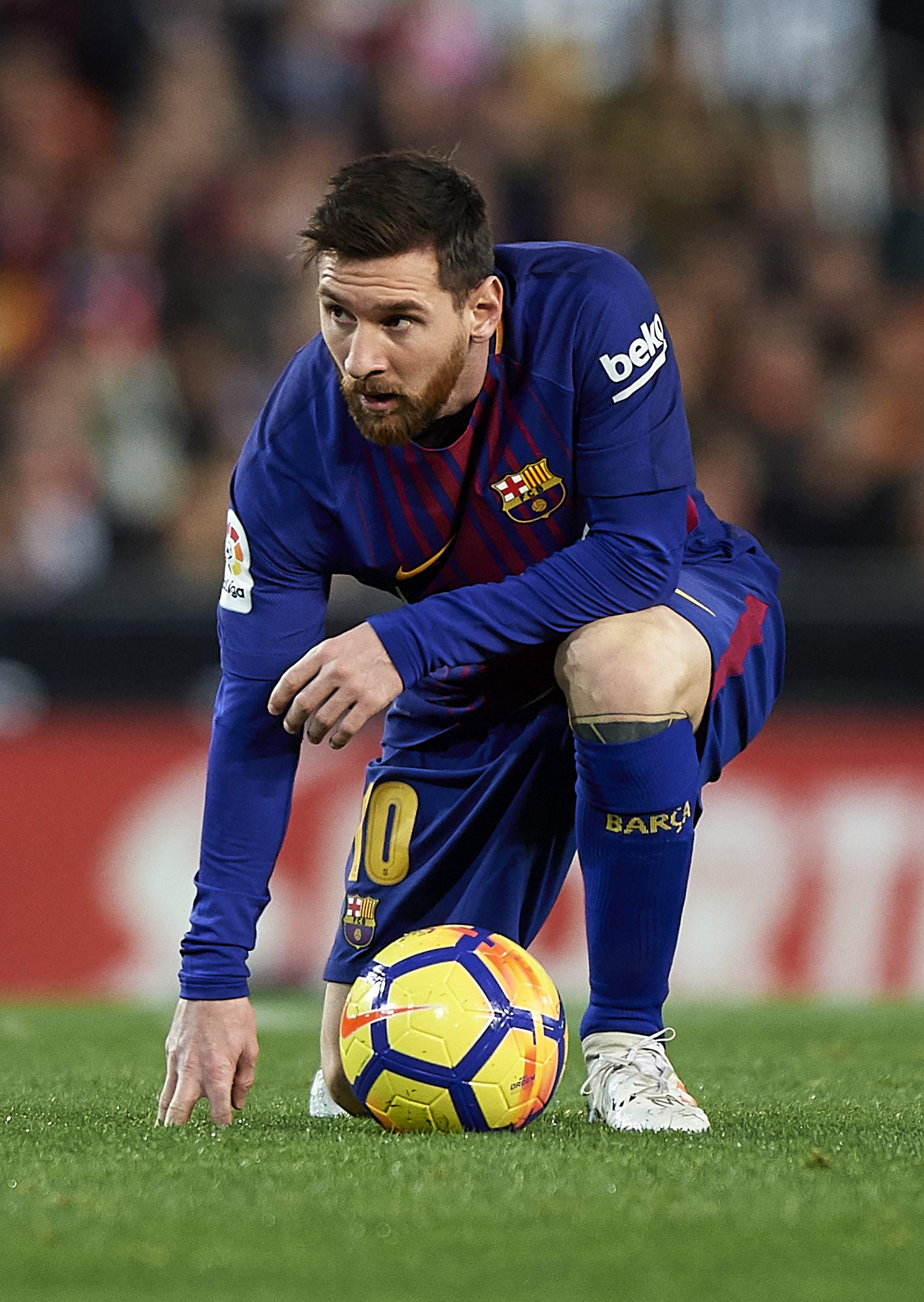 Patung Lionel Messi dirusak: Mengapa sebagian orang ...