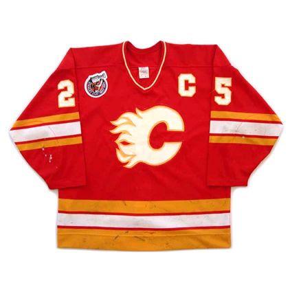 Calgary Flames 1992-93 jersey photo Calgary Flames 1992-93 F jersey.jpg