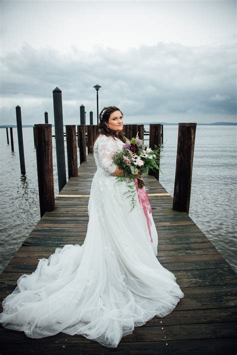 Plus Size Bridal Gowns Full Figured Wedding Dresses