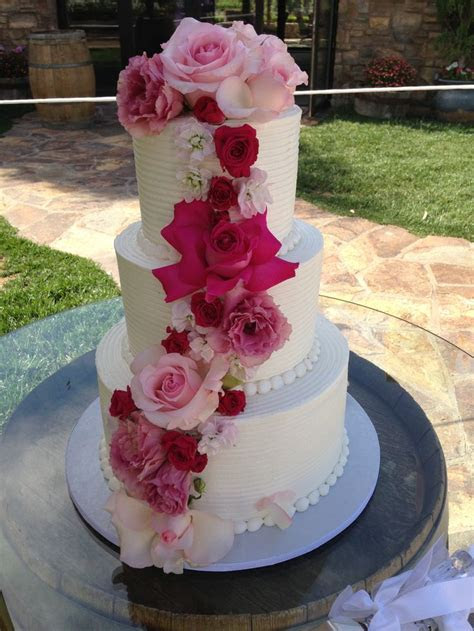 45 best images about Wedding cakes on Pinterest   Pastries