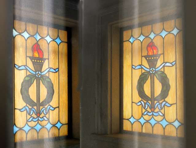 IMG_1376-2014-03-01-Westview-Cemetery-McDonald-Mausoleum-has-Stained-Glass-Atlanta-2-matching-windows