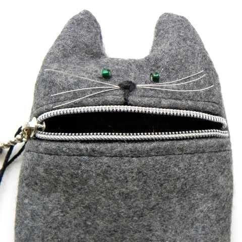 cat zipper pouch.... ....could make kitty or other animals body so kids can stuff them