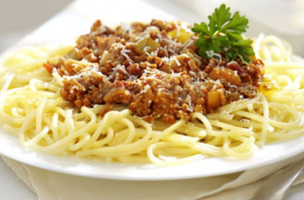 12 spaghetti Bolognese recipes with a twist - Turkey ...