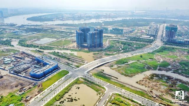 Dụ án Thu Thiem Lakeview của CII đang cạnh tranh tiến độ thi công cùng 2 khu căn hộ cao cấp của Đại Quang Minh nằm gần kề nhau.