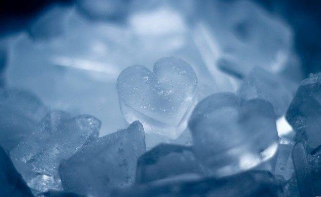 photo Feeling-blue-icy-heart-652x400_zpszasfueg6.jpg