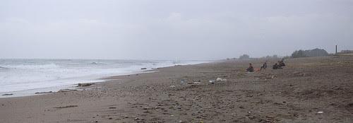 Strand na een nachtje storm