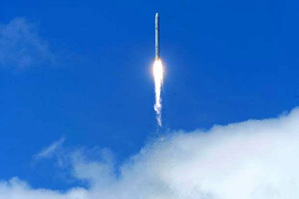 The FALCON 9 rocket heads off into space on its maiden launch on June 4, 2010.