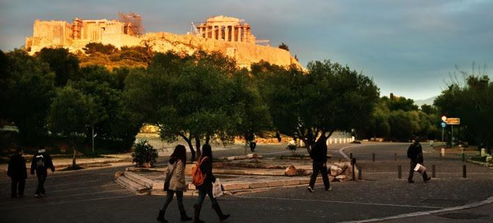 Spiegel: Πετρέλαιο, ρούβλι και Ελλάδα τα συστατικά της νέας μεγάλης κρίσης