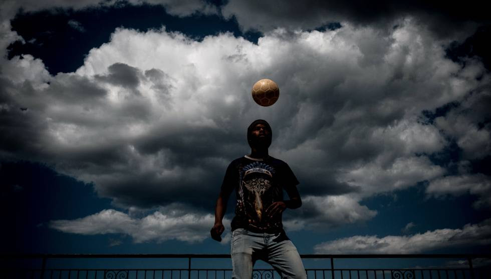 Abubacarr, de 16 años, llegó a Italia procedente de Gambia. Su sueño es ser futbolista profesional.