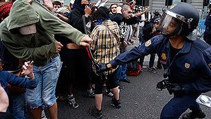 Ver vídeo  'La Policía carga contra manifestantes del 25S'