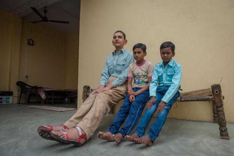 O menino de 8 anos mais alto do mundo mede 2,10 metros 06