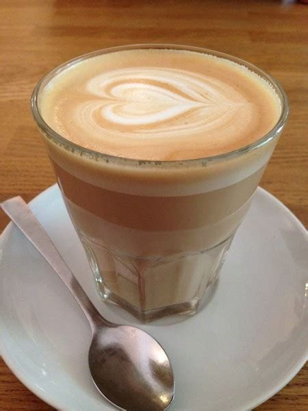 Five Elephant Coffee Bar   AWESOME BERLIN