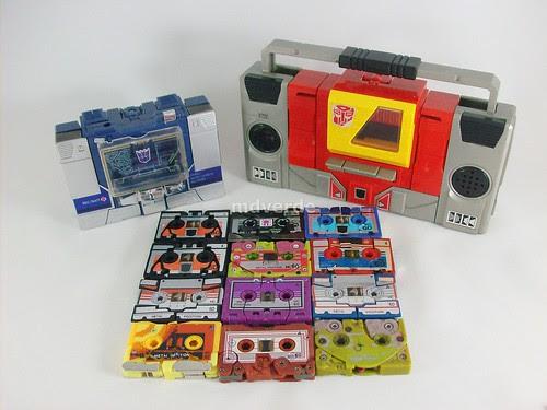 Transformers Soundwave y Blaster con casetes G1