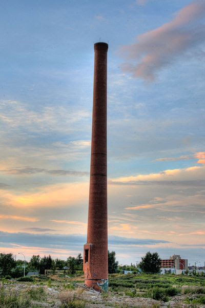 File:Canada Packers Chimney Stack Edmonton  Alberta Canada 01.jpg
