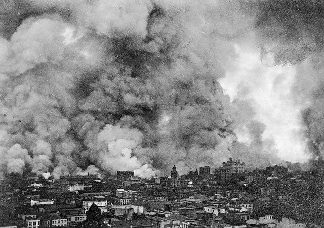 fire and smoke from the 1906 san franicisco earthquake