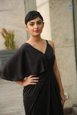 Pooja New Stills - 19 of 35