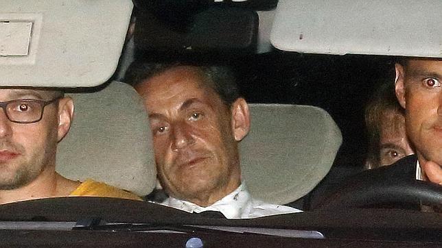 El juez imputa a Sarkozy por corrupción activa, tráfico de influencias y revelación de secretos