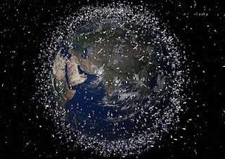 Objetos en órbita baja terreste vista desde el Ecuador