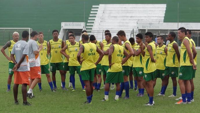 Treino do Coruripe (Foto: Leonardo Freire/GloboEsporte.com)