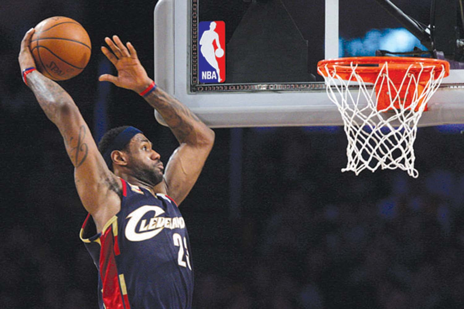 LeBron's Top 10 Plays & Dunk Pics with the Cleveland Cavs ...