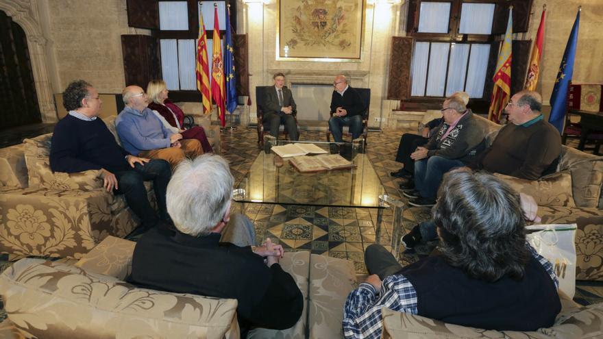 Ximo Puig con la Comisión por la Recuperación de la Memoria Histórica
