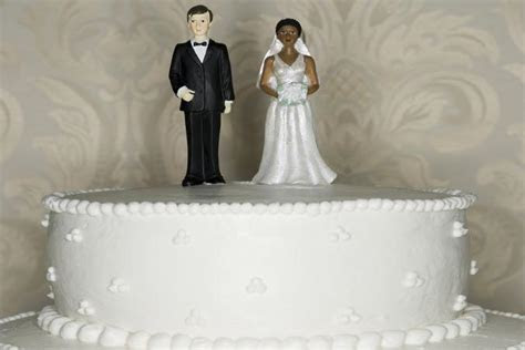 Interracial Wedding Cake Toppers   LoveToKnow