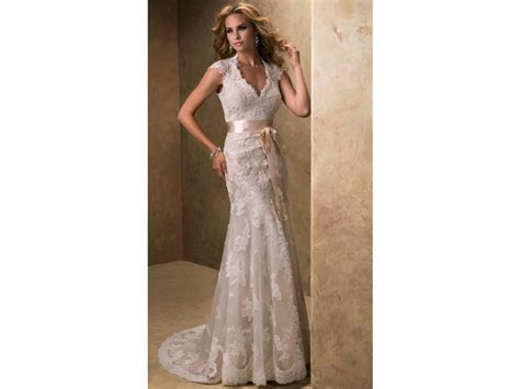 Maggie Sottero Bronwyn, $405 Size: 10   Used Twice Wedding