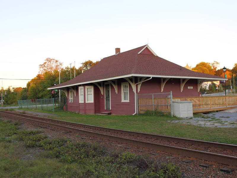 Hampton train station