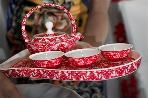 Chinese wedding tea set for the tea ceremony   open