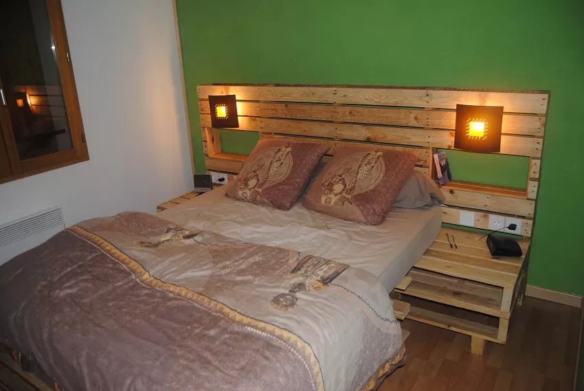 Pallet Headboard with Shelves