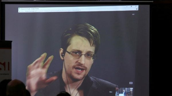 """""""Las acciones de Snowden no fueron para beneficio personal, fueron para impulsar un reforma"""", rezó una carta del Comité de la Iglesia."""