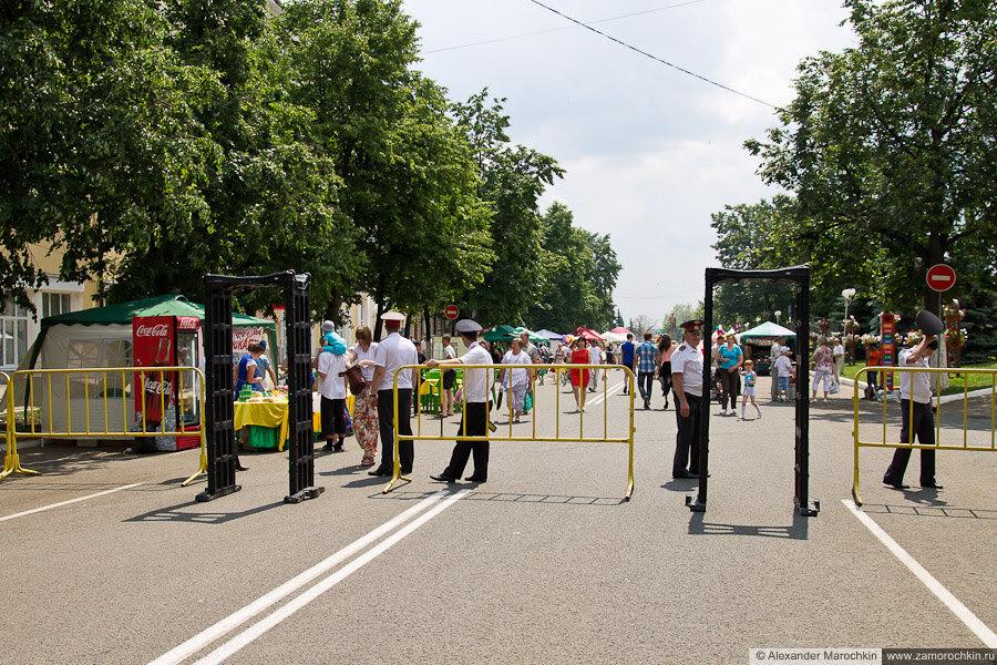 День города в Саранске 2013, рамки-металлоискатели