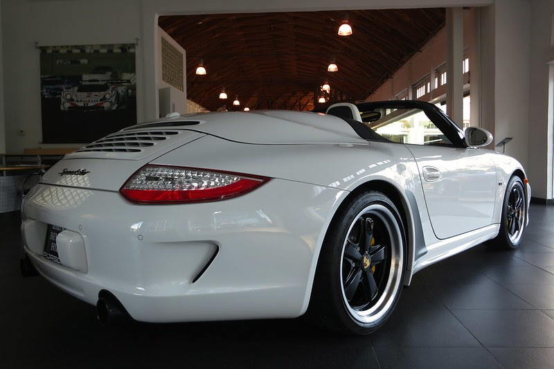 porsche connection new 2011 porsche speedster white 315. Black Bedroom Furniture Sets. Home Design Ideas