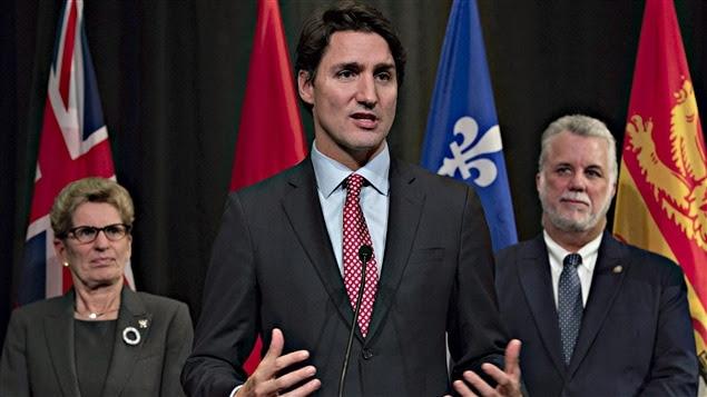 Kathleen Wynne, Justin Trudeau et Philippe Couillard