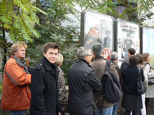 queue basquiat paris.jpg